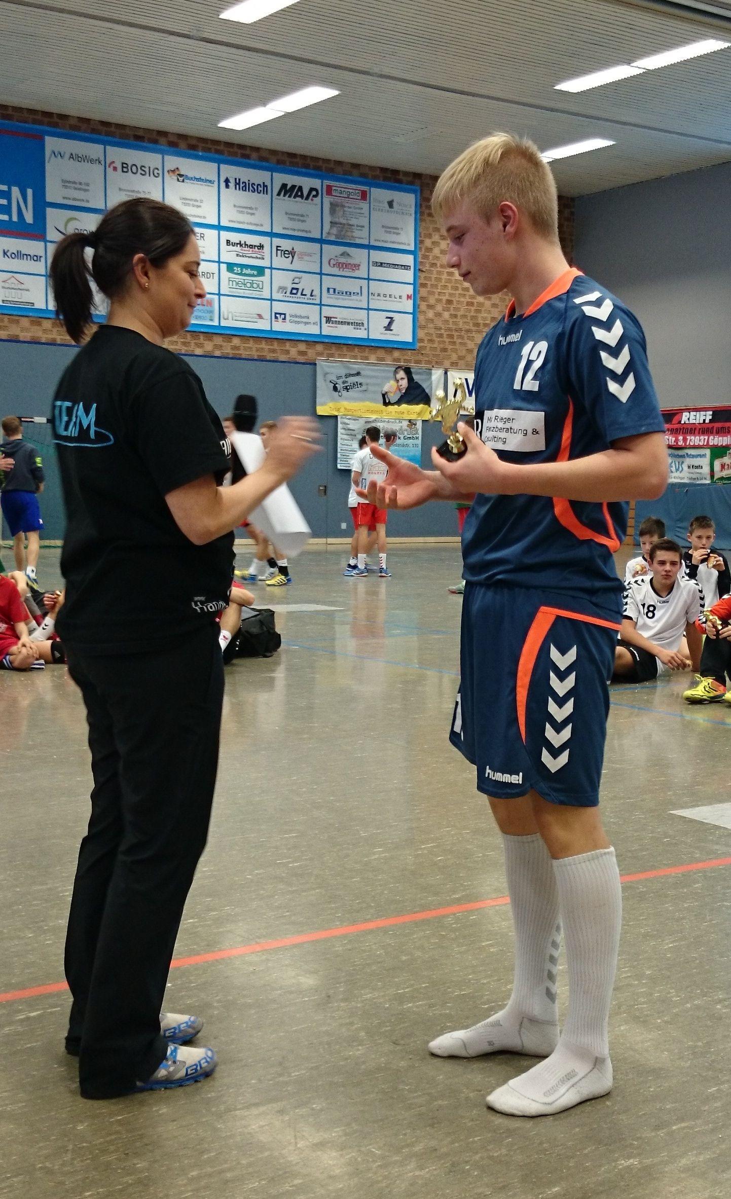 C jugend m nnlich startet erfolgreich ins handballjahr 2015 for Koch holzwerke