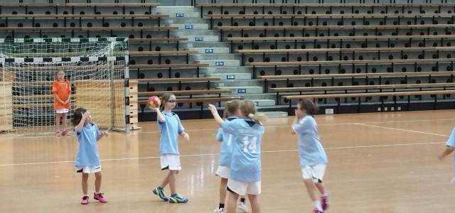 Gegner der E-Mädels am 27.10.16 in der EWS-Arena war die TSG Eislingen. Diesmal starteten wir mit dem Handballspiel. Der Gegner war uns einfach durch den Altersunterschied körperlich überlegen. So ging […]